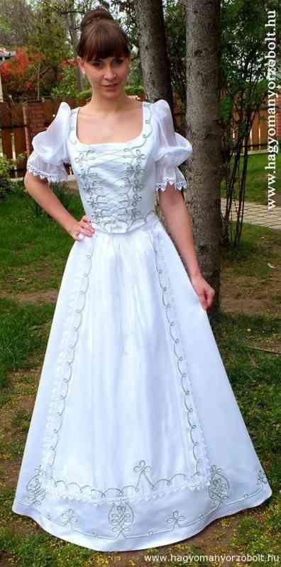 f63e761e07 Menyasszonyi ruha - tündEszter
